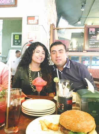 Papa Bill's Saloon - Rio Lerma: Buena comida y buen lugar para festejar