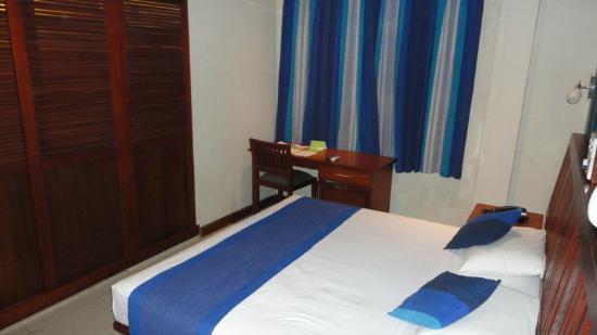 Colombo City Hotel: Room
