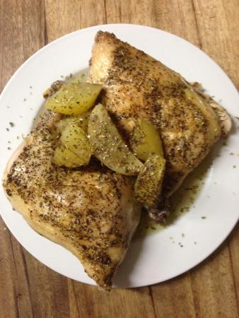 Barnacles Greek Bar & Restaurant: Lemonato (Roasted Lemon Chicken with Potatoes)