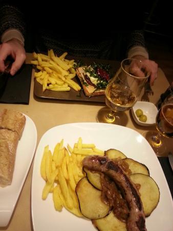 Louise Se Va_ Sitges: Buen menú.