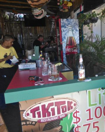 Tiki Tok Restaurant Bar: Downstairs bar and dining area