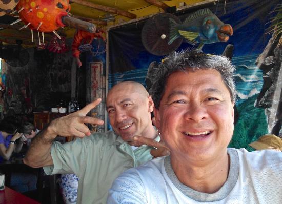 Tiki Tok Restaurant Bar: A 'selfie' with ever-smiling Antonio