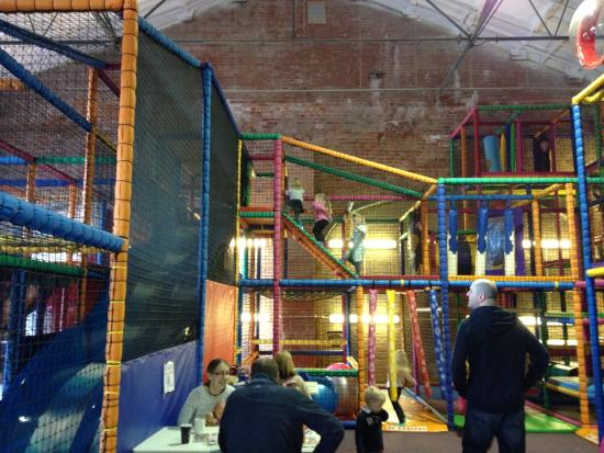Fantastic Funhouse: Huge soft play area