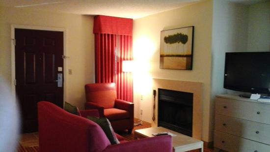 Residence Inn by Marriott Boca Raton: Studio living room