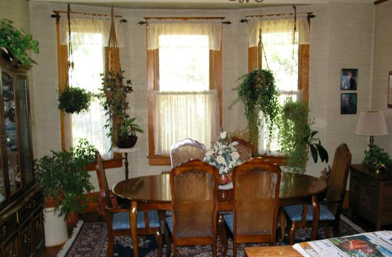 The Hitching Post Bed And Breakfast: Dining Room
