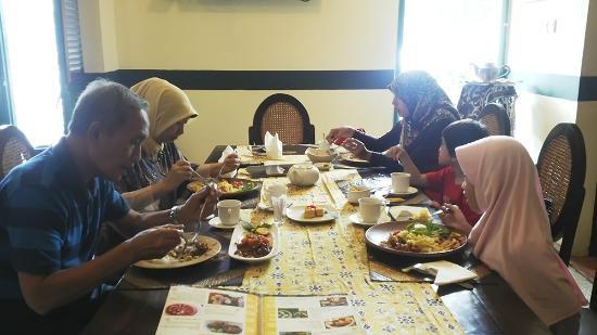 Bale Raos Restaurant Jakarta