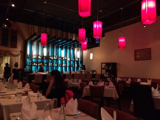 Sweet Chili Asian Bistro: The dining room and bar.