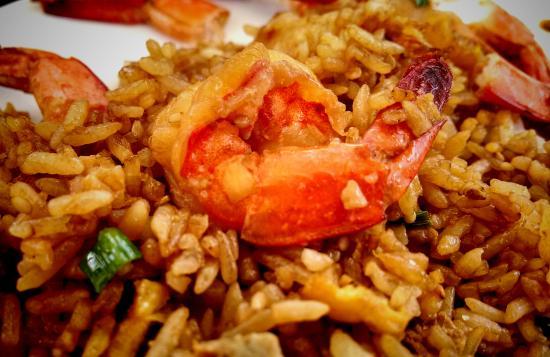 Mokala Bungalows: arroz chaufa con langostinos
