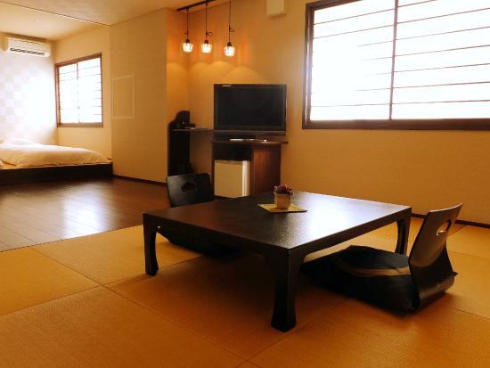 Amimoto: room 202