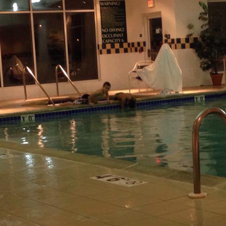 Hilton Garden Inn Milwaukee Park Place : Pool/hot tub