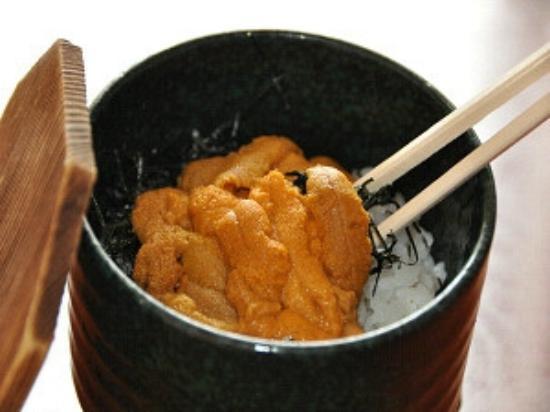 Amimoto : sea urchin with boul of rice