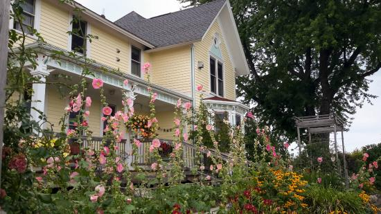 Country Hermitage Bed and Breakfast Traverse City : Charming Bed and Breakfast