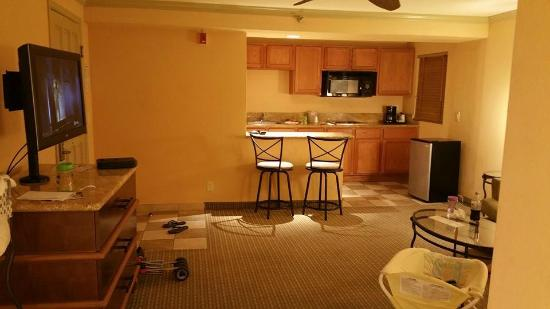 Holiday Inn Express La Jolla: Kitchen/Living room in Studio Room