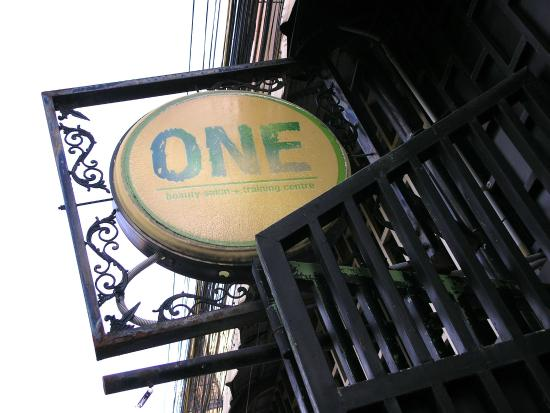 ONE Day Spa & Beauty Salon : One signage