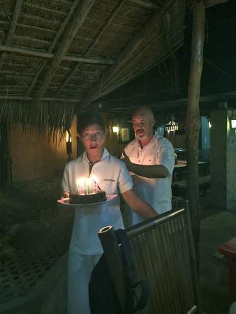 Baan Mai: Coco et Charles en pleine action……..