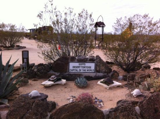 Essex, Kalifornien: Old sign