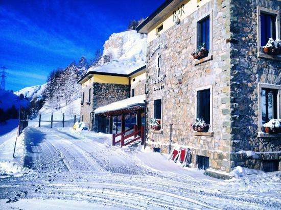Hotel Maison de Neige: esterno sole