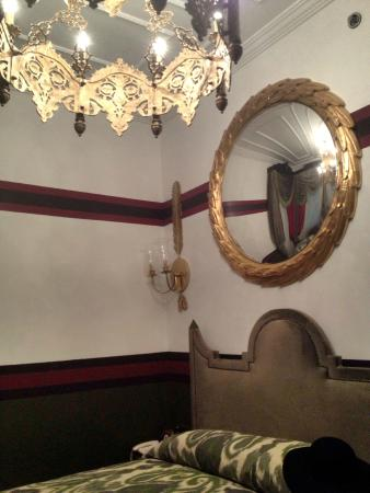 Premist Hotel: Feel like royalty on this bed