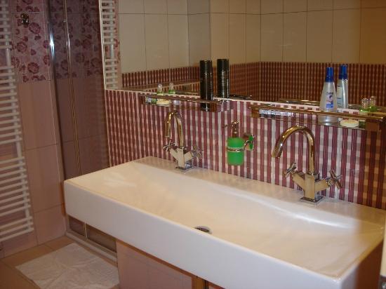 Jan Maria: bathroom