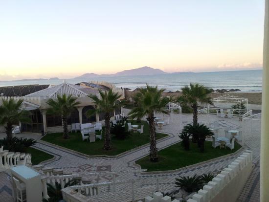 Le Ancore Hotel Resort: La spiaggia con Ischia all'orizzonte