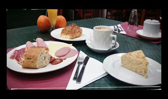 Hotel Villava Pamplona : Desayuno.
