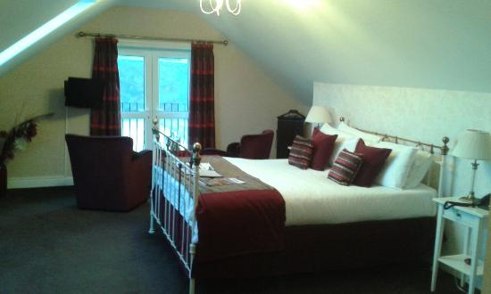 Cliffemount Hotel: The Topmans suite