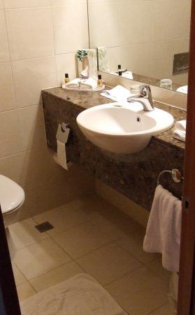 Kingsgate Hotel Te Anau: Bathroom