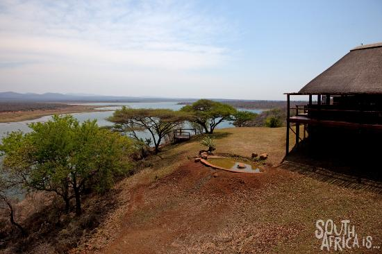Nkwazi Lake Lodge : Nkwazi Lodge, Restaurant, Bar, Lounge