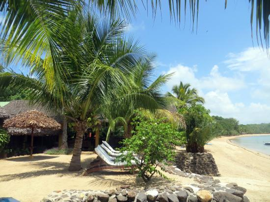 Sakatia Lodge: View from outside the dining area