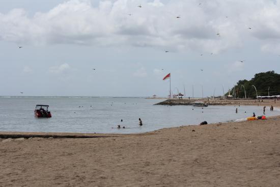 Sindhu Beach : Beach view to the south