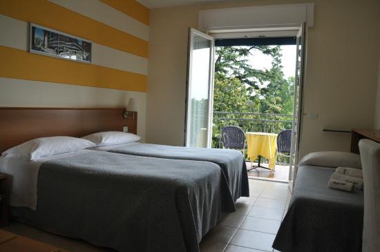 Hotel Alpi: Camera tripla