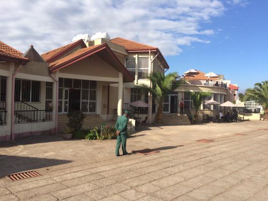 Derartu Tulu Hotel