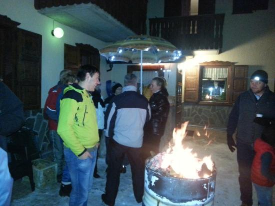 Hotel Alpi: Vin Brulè party