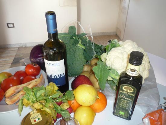 Atrio Casa Vacanza B&B: Une cuisine pour préparer les légumes du marché