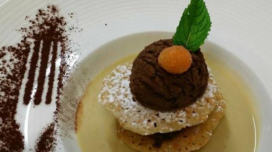 Restaurant A L'Agneau D'Or : Croustillant de chocolat noir