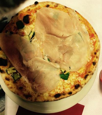 Edelweiss Piancavallo : Pizza Porchetta e Zucchine