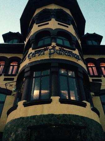 Pensiunea Casa Dunarea: Front entrance.