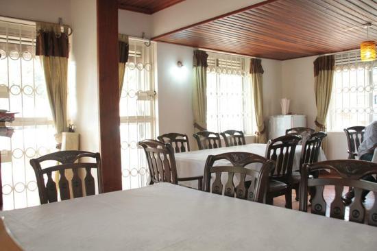 Adonai House: Dining