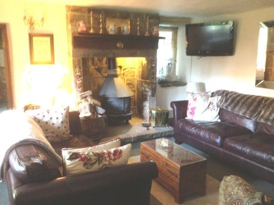 Hearthstone Farm: Sitting room