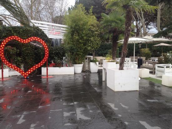 Arredamento esterno (Gennaio 2015) - Foto di Mò Mò Republic, Roma ...