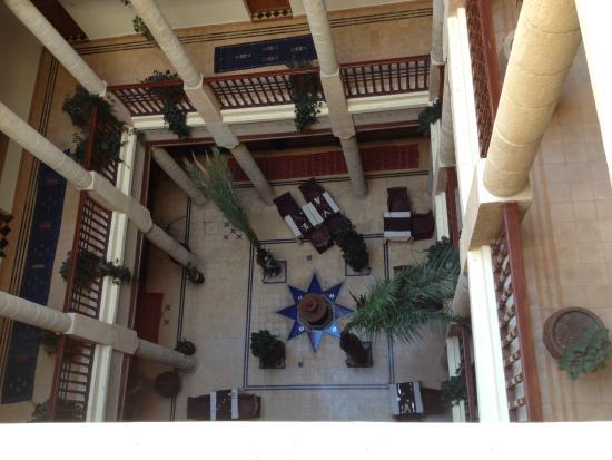 Riad Chakir Mogador : Vista sulla hall