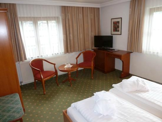 Hotel Waldheim: Schreibtisch