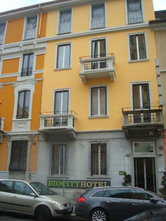 Biocity Hotel: Outside view