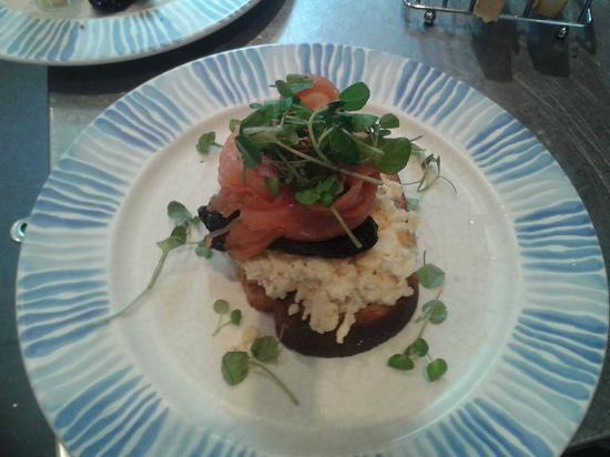 The Pot: smoked salmon breakfast