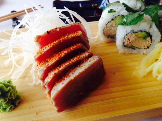 Tuna tataki and Italian roll - Foto di Ichiban 178, Uster ...
