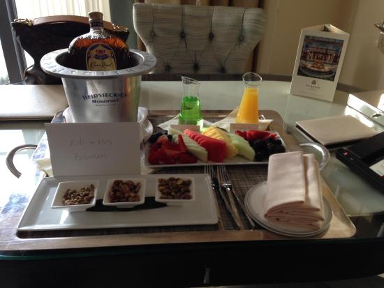 The St. Regis Atlanta: Awesome Welcome Back Tray