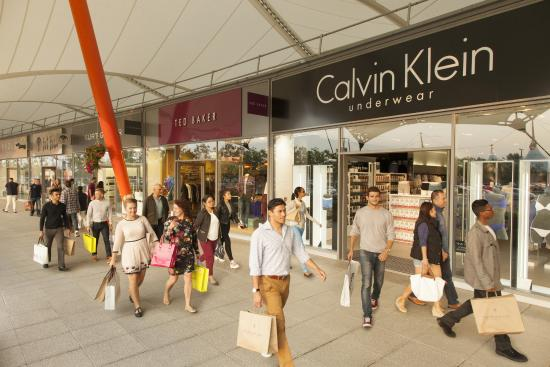 ‪‪Ashford‬, UK: Calvin Klein & Ted Baker at Ashford Designer Outlet‬