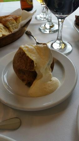 San Telmo Bar Restaurante: Papa asada con sour cream
