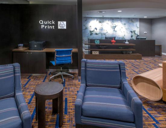 Albany Courtyard by Marriott: Quick Print Station