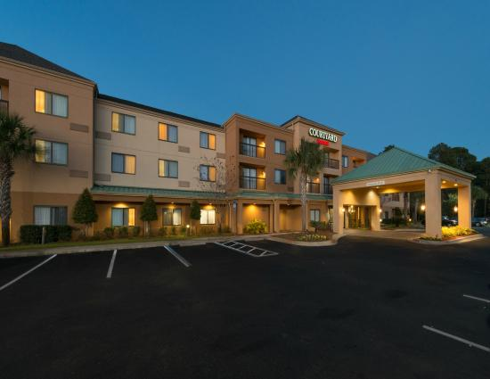 Courtyard Panama City: Hotel Exterior